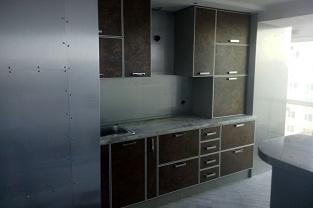 Кухни ЛДСП с алюминиевой рамкой